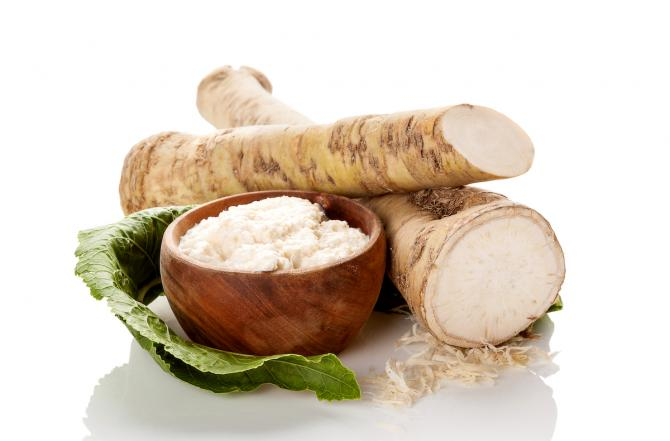 raw and grated horseradish root