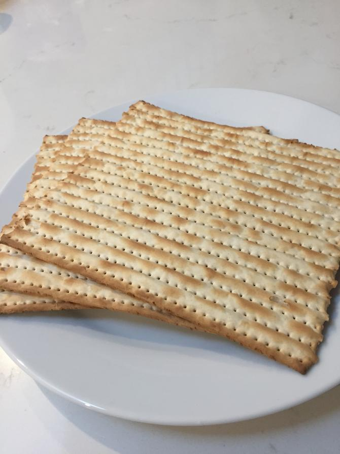 Plate with stack of 3 matzahs